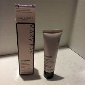 Mary Kay Timewise Matte Foundation in Ivory 4